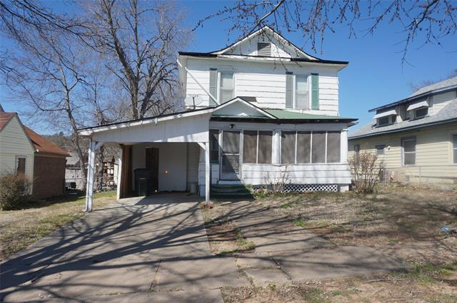 508 W Division Street, Henryetta, OK 74437 (MLS #1910215) :: 918HomeTeam - KW Realty Preferred