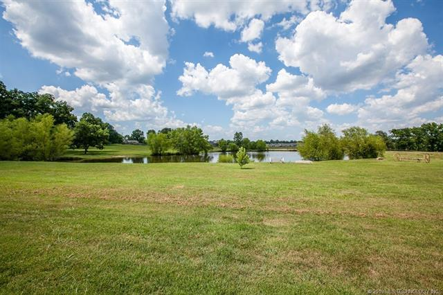 2835 S Main Street, Sapulpa, OK 74066 (MLS #1910310) :: RE/MAX T-town