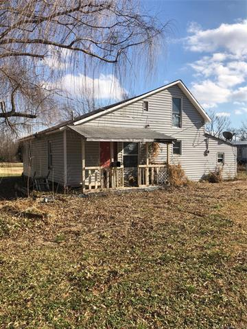 118 SW Seminole Avenue, Nowata, OK 74048 (MLS #1910501) :: Hopper Group at RE/MAX Results