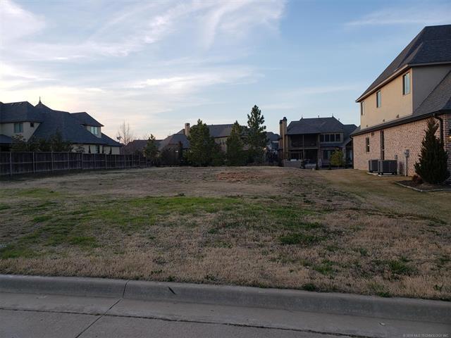 5800 W Charleston Street S, Broken Arrow, OK 74011 (MLS #1910526) :: RE/MAX T-town