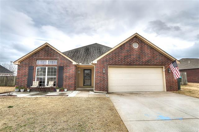 13206 E 88th Street North, Owasso, OK 74055 (MLS #1910564) :: Hopper Group at RE/MAX Results