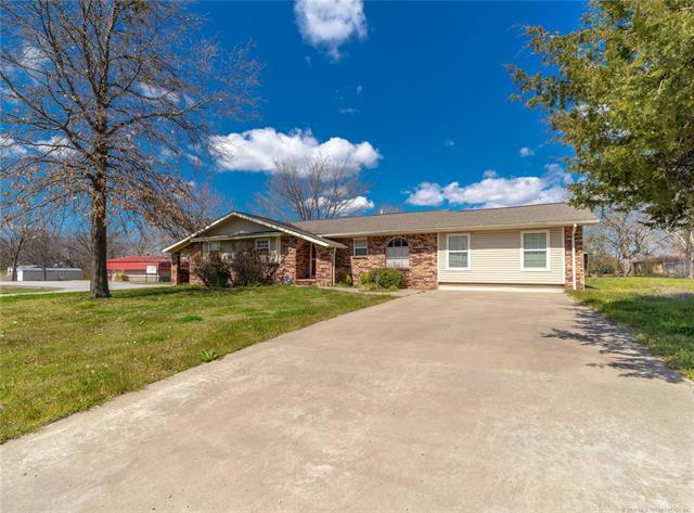 601 Lehigh Avenue, Hartshorne, OK 74547 (MLS #1911061) :: Hopper Group at RE/MAX Results