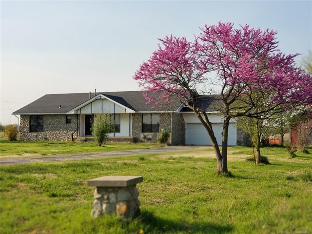 401680 W 4000 Road, Collinsville, OK 74021 (MLS #1911687) :: Hopper Group at RE/MAX Results