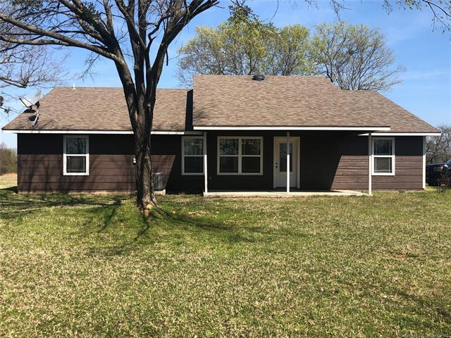 2005 N Five Mile Road, Kiowa, OK 74553 (MLS #1912216) :: Hopper Group at RE/MAX Results
