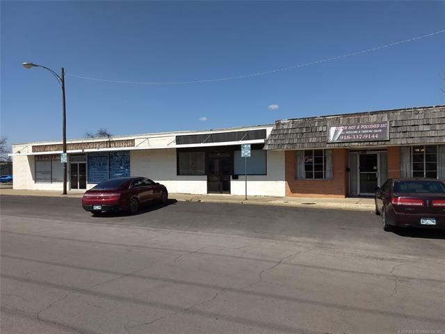 500 E 4th Street, Bartlesville, OK 74003 (MLS #1912242) :: Hopper Group at RE/MAX Results