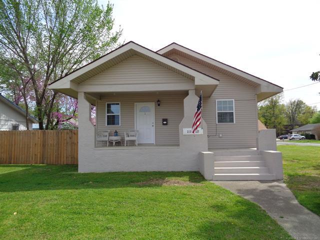 213 W Foley Street, Eufaula, OK 74432 (MLS #1913140) :: Hopper Group at RE/MAX Results