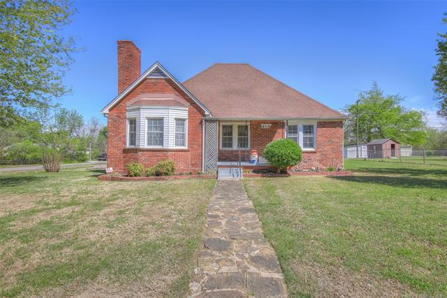 1307 S 76th East Avenue, Tulsa, OK 74112 (MLS #1913569) :: Hopper Group at RE/MAX Results