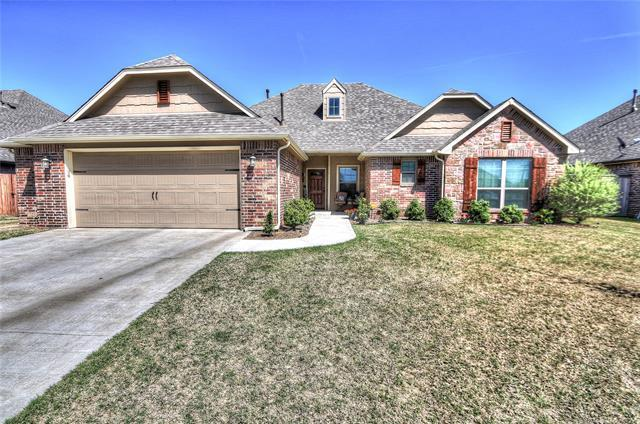 13755 N 130th East Avenue, Collinsville, OK 74021 (MLS #1913994) :: Hopper Group at RE/MAX Results