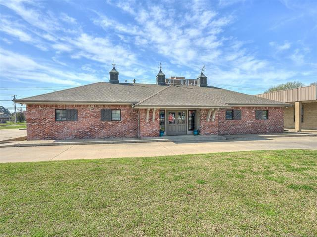 3303 W Okmulgee Avenue, Muskogee, OK 74401 (MLS #1914027) :: 918HomeTeam - KW Realty Preferred