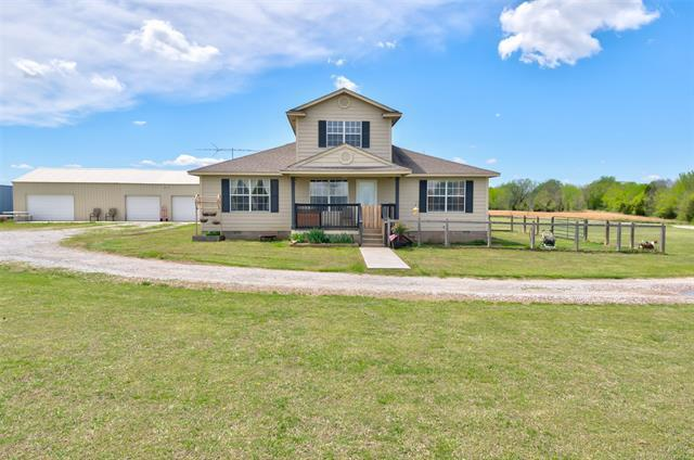 401925 W 3000 Road, Ramona, OK 74061 (MLS #1914442) :: Hopper Group at RE/MAX Results