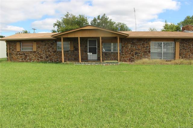 909 S Dewey Avenue, Wagoner, OK 74467 (MLS #1914703) :: Hopper Group at RE/MAX Results