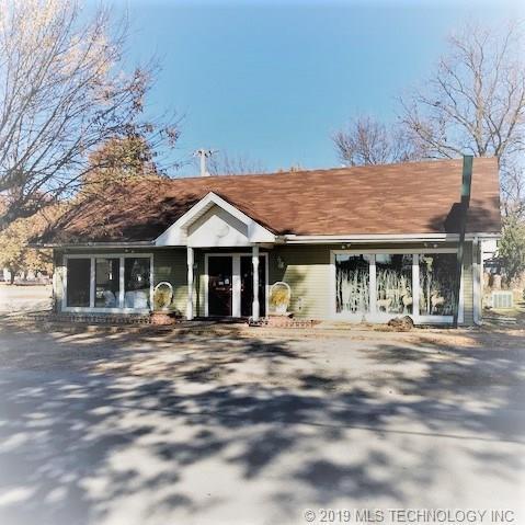 405 NE 1st Street, Pryor, OK 74361 (MLS #1914880) :: Hopper Group at RE/MAX Results