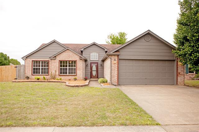 11012 E 120th Court N, Collinsville, OK 74021 (MLS #1914885) :: RE/MAX T-town
