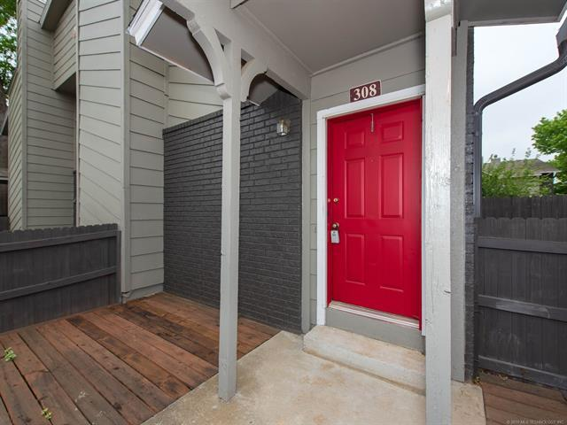 9015 S Delaware Avenue #308, Tulsa, OK 74137 (MLS #1915225) :: 918HomeTeam - KW Realty Preferred