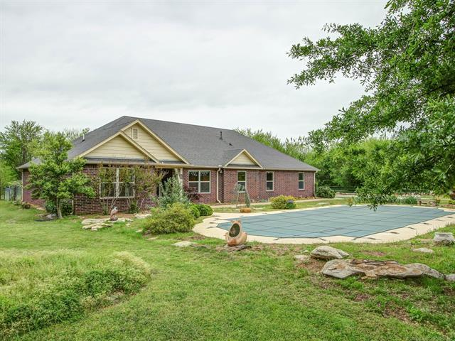 7275 E 390 Road, Oologah, OK 74053 (MLS #1915950) :: Hopper Group at RE/MAX Results