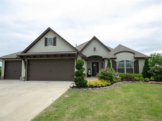 6968 E 144th Street North, Collinsville, OK 74021 (MLS #1916267) :: Hopper Group at RE/MAX Results