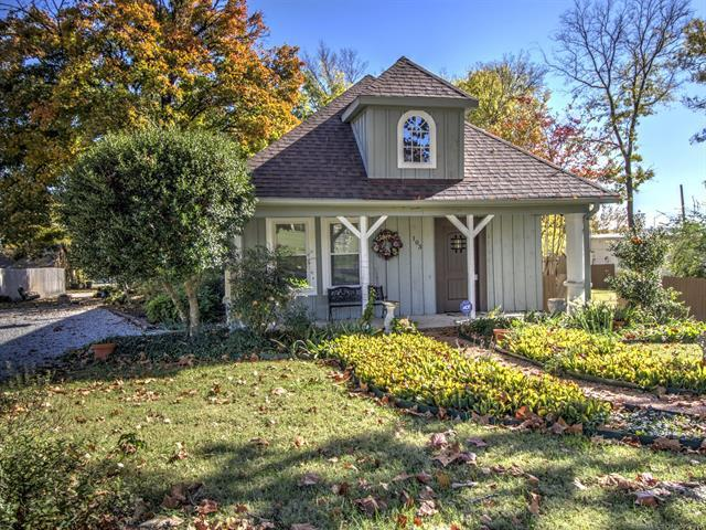 101 N Boling Street, Claremore, OK 74017 (MLS #1916826) :: Hopper Group at RE/MAX Results
