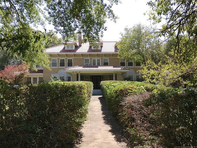 1700 E 6th Street, Okmulgee, OK 74447 (MLS #1917526) :: 918HomeTeam - KW Realty Preferred