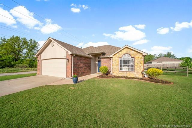 1139 S Spinnaker Drive, Oologah, OK 74053 (MLS #1917679) :: Hopper Group at RE/MAX Results