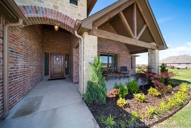 2644 Creek View Road, Oologah, OK 74053 (MLS #1917912) :: Hopper Group at RE/MAX Results