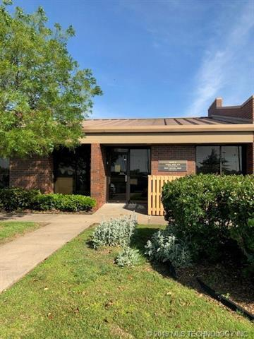 333 S 38th Street E, Muskogee, OK 74401 (MLS #1918406) :: Hopper Group at RE/MAX Results