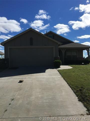 11726 E 109th Street North, Owasso, OK 74055 (MLS #1918706) :: Hopper Group at RE/MAX Results