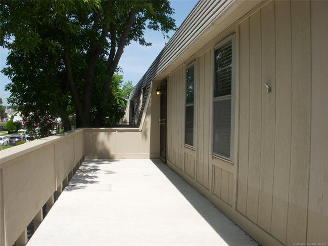 6615 S Zunis Avenue #2606, Tulsa, OK 74136 (MLS #1918961) :: 918HomeTeam - KW Realty Preferred