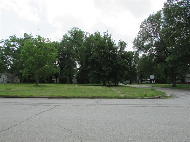 427 W Delaware Avenue, Vinita, OK 74301 (MLS #1919300) :: 918HomeTeam - KW Realty Preferred