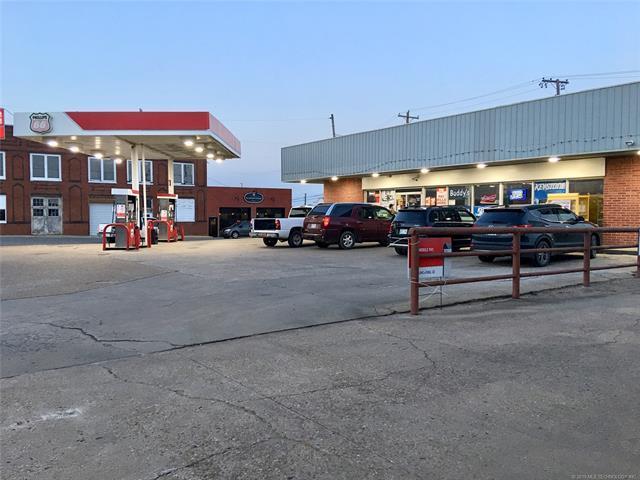 131 N Broadway Street, Checotah, OK 74426 (MLS #1919343) :: Hopper Group at RE/MAX Results
