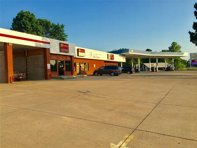 2700 N York Street, Muskogee, OK 74403 (MLS #1919349) :: 918HomeTeam - KW Realty Preferred