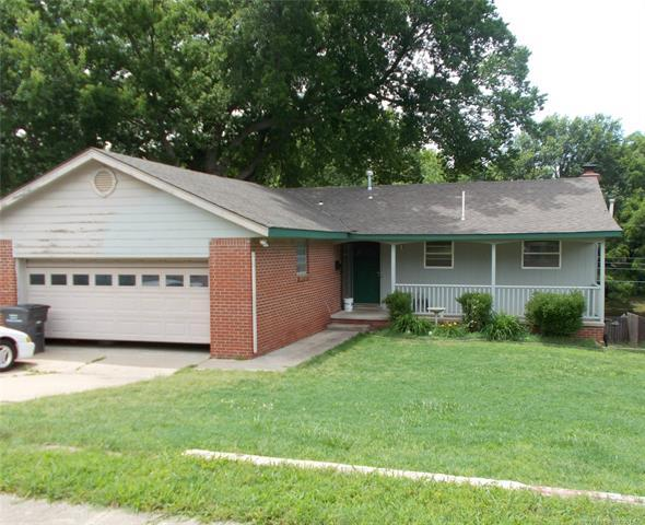 1035 Renick Lane E, Bartlesville, OK 74006 (MLS #1920533) :: Hopper Group at RE/MAX Results