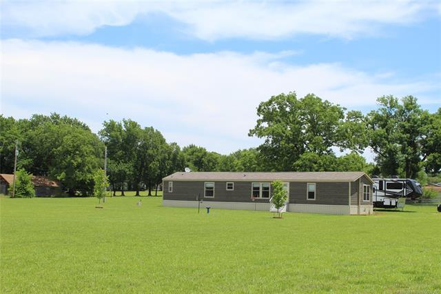 210 E Edens Avenue, Copan, OK 74022 (MLS #1920785) :: 918HomeTeam - KW Realty Preferred