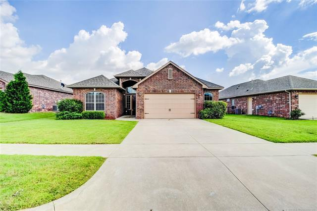 26910 E 142nd Place S, Coweta, OK 74429 (MLS #1921254) :: RE/MAX T-town