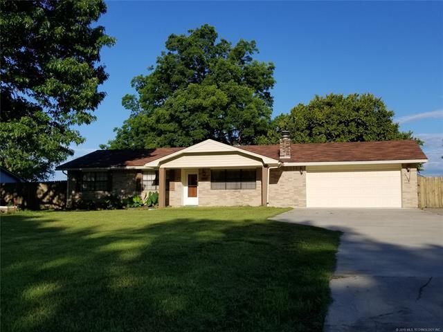 523 Warren Road, Eufaula, OK 74432 (MLS #1921568) :: 918HomeTeam - KW Realty Preferred