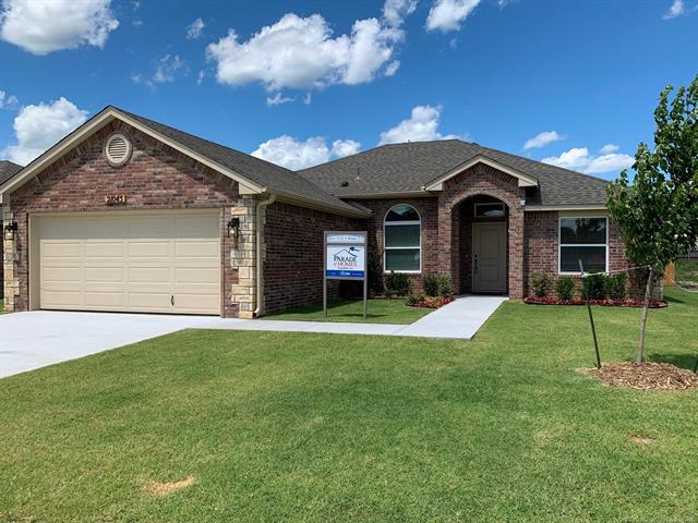 21045 E 40th Place S, Broken Arrow, OK 74014 (MLS #1921770) :: Hopper Group at RE/MAX Results