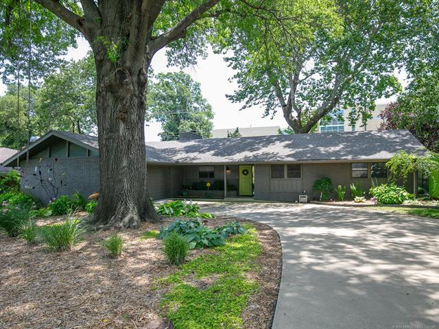 4137 S Sandusky Avenue, Tulsa, OK 74135 (MLS #1922075) :: Hopper Group at RE/MAX Results