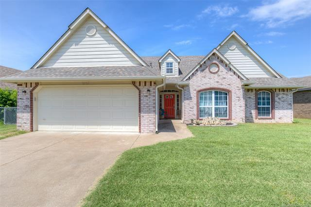 12156 N 107th East Court, Collinsville, OK 74021 (MLS #1922087) :: Hopper Group at RE/MAX Results