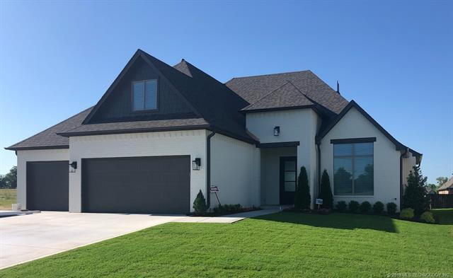 3907 W Tucson Place, Broken Arrow, OK 74011 (MLS #1922118) :: Hopper Group at RE/MAX Results