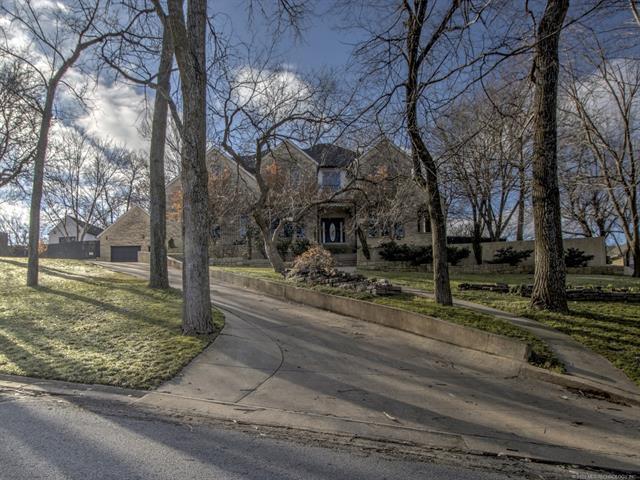 1350 Woodbriar Lane, Catoosa, OK 74015 (MLS #1922177) :: RE/MAX T-town