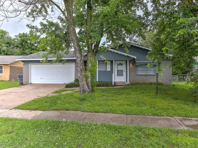 333 S 162nd East Avenue, Tulsa, OK 74108 (MLS #1922259) :: Hopper Group at RE/MAX Results