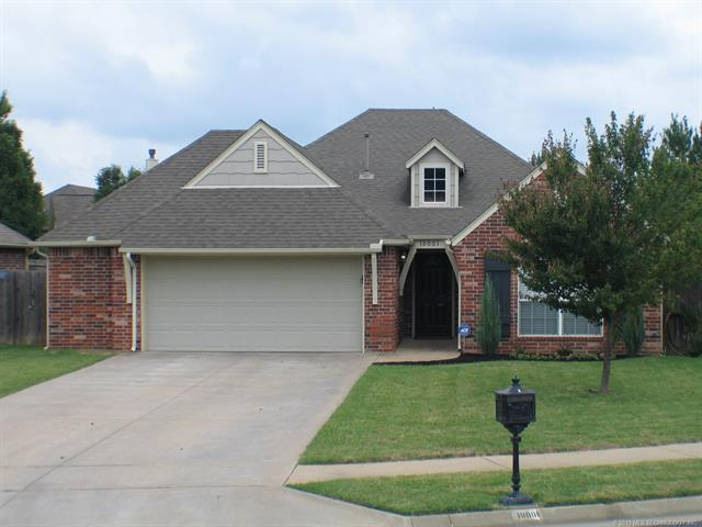 10001 E 97th Place North, Owasso, OK 74055 (MLS #1922313) :: RE/MAX T-town