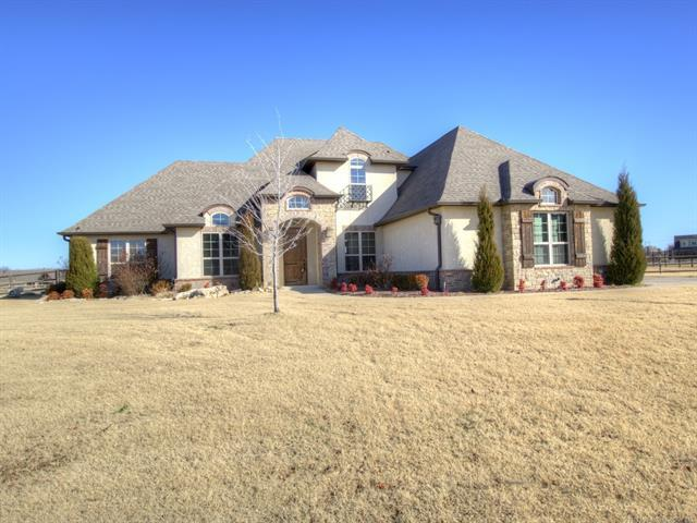 6365 N Twin Creeks Drive, Owasso, OK 74055 (MLS #1922362) :: RE/MAX T-town