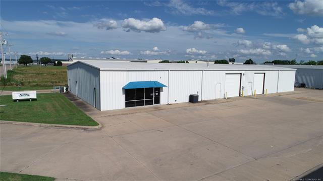 4001 Tull Avenue, Muskogee, OK 74403 (MLS #1922632) :: Hopper Group at RE/MAX Results