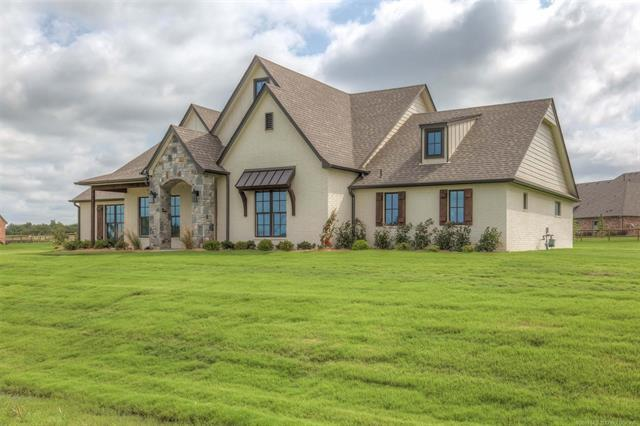 9025 N 65th East Place, Owasso, OK 74055 (MLS #1922642) :: RE/MAX T-town