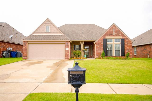 17905 E 46th Street, Tulsa, OK 74134 (MLS #1923214) :: Hopper Group at RE/MAX Results