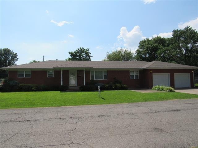 317 SW 5th Street, Checotah, OK 74426 (MLS #1924131) :: Hopper Group at RE/MAX Results