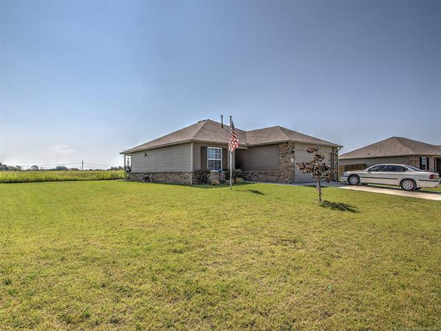 14855 S Hickory Place, Glenpool, OK 74033 (MLS #1924994) :: 918HomeTeam - KW Realty Preferred
