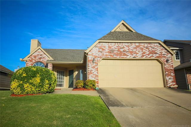 9424 S 88th East Avenue, Tulsa, OK 74133 (MLS #1925069) :: Hopper Group at RE/MAX Results