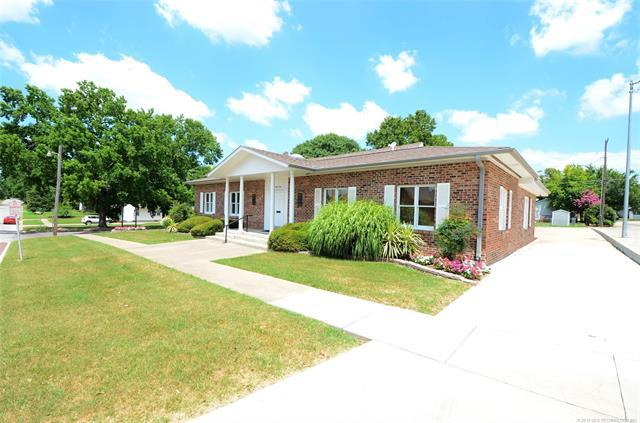 143 W 7th Avenue, Bristow, OK 74010 (MLS #1925281) :: Hopper Group at RE/MAX Results