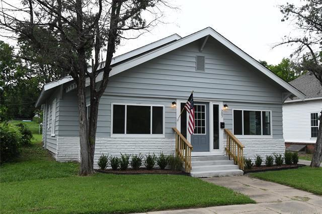207 W Mckinley Avenue, Sapulpa, OK 74066 (MLS #1925283) :: 918HomeTeam - KW Realty Preferred